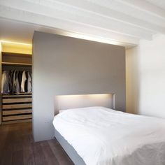 1000 ideas about closet behind bed on pinterest wardrobe behind bed walk - Agencement dressing ikea ...
