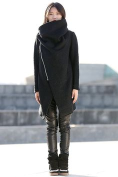 Black Winter Coat with Large Cowl Neck and Zipper di YL1dress