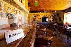 Restaurace je rozdělena na kuřácký a nekuřácký prostor