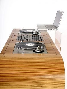 Wood finish table / Dj set up