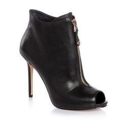 Boots Guess, craquez sur les Amadis Ankle Boots Guess prix promo GUESS 200.00 € TTC
