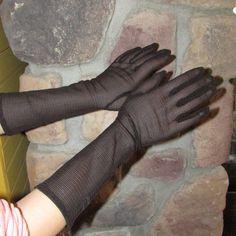 Vintage 1950s Black Mesh Lace Gloves by ladysslippervintage