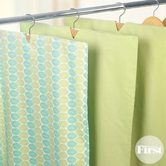 If you're like us, the few garment bags you own end up stuffed full of clothes. Well, now there's a easy (and free! Garmet Bag, Feel Good Stories, Home Organization, Organizing Ideas, Diy Pillows, Diy Arts And Crafts, Clean House, Repurposed, Pillow Cases
