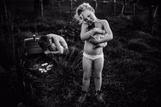 Les enfants de Nikki Boon s'occupent d'un canard