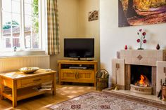 Cozy sitting room to watch TV or chill with family and friends Log Fires, Farm Cottage, Chill, Dining Room, Cozy, Watch, Tv, Friends, Home Decor