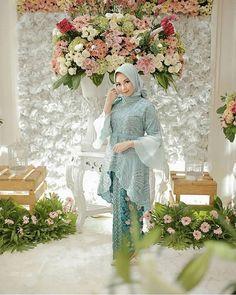 Image may contain: 2 people, flower and plant Model Kebaya Brokat Modern, Model Kebaya Muslim, Kebaya Modern Hijab, Dress Brokat Modern, Kebaya Hijab, Kebaya Lace, Batik Kebaya, Kebaya Dress, Dress Pesta