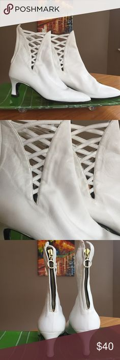 """Gorgeous cream leather ankle boots - EUR sz 40 ✳️  EUC retro-look cream boots with caged detail on four sides ✳️  This is a Re-Posh. 😕 Sadly, too large for me ✳️  Buttery soft leather, made in Italy - inside tag says Rinaldi ✳️  2.5"""" heel, aprx 11"""" length (sole), total height from floor is aprx 9""""   ✳️ Eur size 40 - probably best suited for size 8.5 -9.5.  The soft leather makes the fit all the more comfy! ✳️ Minor scuffs & everyday wear as shown in photos.     ✳️ Plz ask if…"""