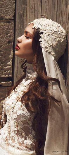 Christian Dior l THE MILLIONAIRESS BROWNSTONE l Ria