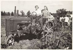 Google Image Result for http://www.cityfarmer.info/wp-content/uploads/2009/02/students-riding-tractor-at-the-victory-garden-1943.jpg