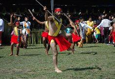 Tari Cakalele Maluku
