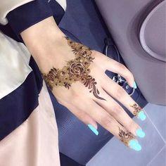 Even though nail polish is haram...i lyk d henna