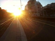 Amanece sobre la estación de Merlo, 7.00 am, hacia el trabajo.