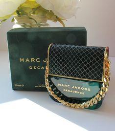 Chanel Perfume, Best Perfume, Diy Perfume Recipes, Maquillage Yeux Cut Crease, Parfum Rose, Parfum Dior, Marc Jacobs Perfume, Perfume Display, Perfume Collection
