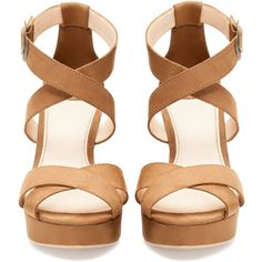 Pull & Bear Wooden Heel Wedges (695 DOP) ❤ liked on Polyvore featuring shoes, sandals, heels, wedges, zapatos, wooden-heel shoes, wedge heel sandals, heeled sandals, pull&bear shoes and wedge sandals