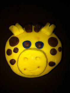 Cupcake de vainlla, efecto de la cara de la jirafa en fondant