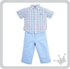 Para los bebés hoy recomendamos el color azul pastel, este look compuesto por pantalón y camisa sin duda los hará ver formal sin perder el toque de frescura que tanto les encanta.http://www.shopepk.com.co/index.php?page=shop.product_details&flypage=flypage_look.tpl&product_id=727&category_id=167&option=com_virtuemart&cat=26&Itemid=69