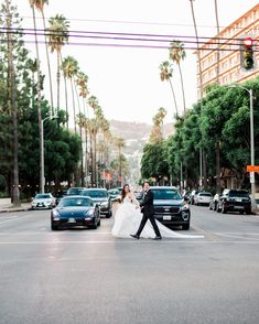 Sophisticated Black + White Old Hollywood Glamour wedding at the iconic Four Seasons Beverly Hills  #beverlyhillswedding #foursesasonswedding #hayleypaigebride Hotel Wedding Inspiration, Hollywood Glamour Wedding, Wedding Stills, Beverly Hills Hotel, West Hollywood, Four Seasons, Wedding Day, Street View, Bride