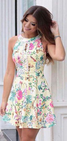 0f937f397 Karmani Vestido Jovem, Vestido Soltinho, Vestido Florido, Vestido Curto,  Decote, Vestidos