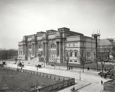 """New York circa 1902. """"Metropolitan Museum of Art."""" The Fifth Avenue addition to the original 1874 structure nearing completion. The pyramids of rough-hewn limestone blocks in the Beaux-Arts cornice, intended to serve as the basis for four sculptural groups, remain unfinished to this day."""