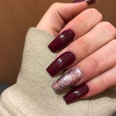 75 Winter Nails inspire every 75 Winter Nails Amaze Everyone Red matte nails with a little gli . Red Matte Nails, Red Acrylic Nails, Burgundy Nails, Glitter Nails, Burgundy Color, Burgundy Wine, Stiletto Nails, Red Glitter, Coffin Nails