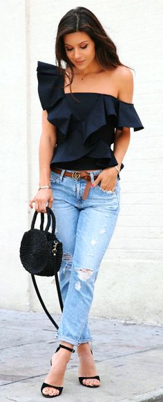 summer outfits Black Ruffle One-shoulder Top + Ripped Jeans