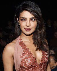 Indian Actress Karishma Kapoor Xx Video