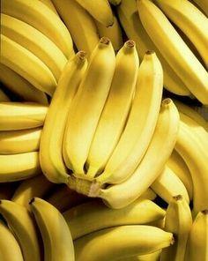 Bunch of bananas. On top of more bananas , Fresh Fruits And Vegetables, Fruit And Veg, Banana Madura, Fruits Photos, Yellow Fruit, Banana Fruit, Fruit Photography, Food Wallpaper, Beautiful Fruits