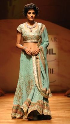 Collections - Ritu Kumar Couture Show 2008 W Dresses, Indian Dresses, Indian Outfits, Bridal Dresses, Ethnic Fashion, African Fashion, Indian Fashion, Indian Bridal Wear, Indian Wear
