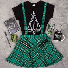 Master of Death: Outfit of the Week - Styles Harry, Harry Potter Style, Harry Potter Outfits, Harry Potter Fashion, Harry Potter Merchandise, Teen Fashion Outfits, Edgy Outfits, Mode Outfits, Girl Outfits