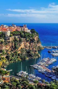 15 reasons to visit Monaco, jewel of the French Riviera - Unique Tours Factory Romantic Destinations, Honeymoon Destinations, Holiday Destinations, Cool Landscapes, Beautiful Landscapes, Places Around The World, Around The Worlds, Places To Travel, Places To Visit