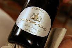 Die Zürcher-Gehrig AG ist stolz darauf ab sofort mit Larmandier-Bernier zusammenzuarbeiten und diese brillanten Champagner in Ihrem Sortiment führen zu dürfen. Maximale Individualität, Terroir und eine präzise, aber auch komplexe Aromatik beschreiben diese reinrassigen Winzerchampagner.