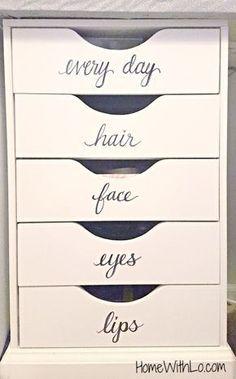 Makeup vanity organi