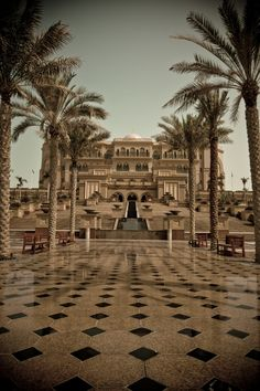 The most beautiful hotel we ever stay .. Mia, Deja & Evana love The Emirates Palace Hotel, Abu Dhabi, UAE