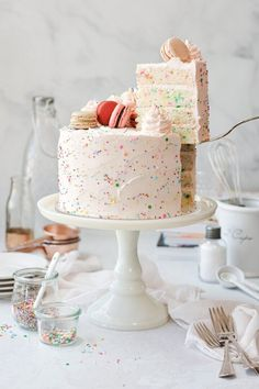 Cupcakes, Cupcake Cakes, Vanilla Buttermilk Cake, American Buttercream Recipe, Cookies And Cream Cake, Cake Photography, Birthday Photography, Funfetti Cake, Classic Cake