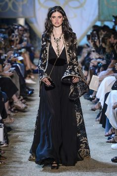 Elie Saab Haute Couture Fall / Winter - See all pictures from the Elie Saab show during the Paris Haute Couture Fashion Week for Fall / Win - Fashion Week, Runway Fashion, Fashion Show, Womens Fashion, Fashion Design, Fashion Fashion, Street Fashion, Fashion Beauty, Elie Saab Haute Couture