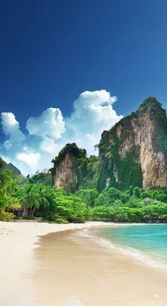 Te contamos cuales son los imperdibles de Tailandia para que no te pierdas nada en tu paso por el país. Playas, montaña, lagunas, fiesta y más!
