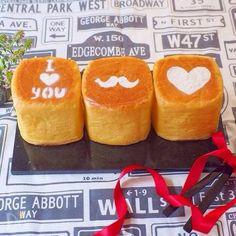 型不要でお手軽♡牛乳パックで作る『ふわふわパンと絶品スイーツ』レシピ - LOCARI(ロカリ)