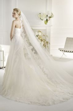 FARDEL | Bridal Gowns | 2013 Collection | Avenue Diagonal (back)
