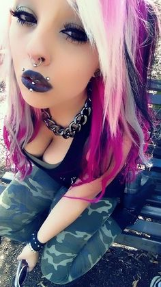 Chain around neck, camo pants & piercings Cute Emo Girls, Hot Goth Girls, Punk Girls, Goth Beauty, Dark Beauty, Emo Fashion, Gothic Fashion, Latex Fashion, Steampunk Fashion
