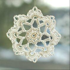 free cristmas crochet | Free Christmas Crochet PatternsPetals to Picots