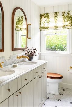 Of all the bathroom trends, farmhouse-inspired design is easily the most relaxed and cozy. And it's not all about shiplap and rustic, weathered pieces (or romantic ones, if the space is leaning in the shabby-chic direction). In fact, farmhouse-style bathrooms can be full of modern, industrial, or polished twists. These twenty farmhouse bathrooms will inspire you to bring the trend home. #rusticdesign #rusticbathroom #rusticideas