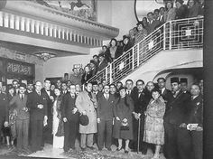 رواد سينما مترو عام ١٩٤٠م  شياكة و فخامة و رقي