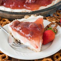 No Bake Strawberry Pretzel Salad Pie - an easy no bake dessert! A pretzel crust filled with no bake cheesecake and topped with strawberry pie filling!