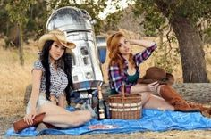 Vampy, R2 and Meagan Marie, two of our favourite cosplayers and the most iconic android in the galaxy, that is what I call a good pic nic!!! Curvy and Nerdy... | Click to See It!!