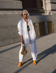 Mr Style, Looks Style, Over 50 Womens Fashion, Fashion Over 50, Street Style Summer, Street Style Women, Zara, Advanced Style, Altering Clothes