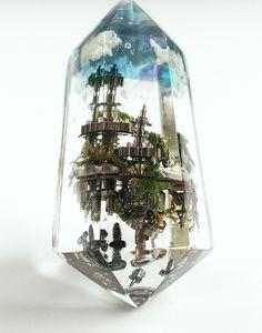 Looks like Steampunked jewelry to me. Diy Resin Crafts, Diy And Crafts, Arts And Crafts, Uv Resin, Resin Art, Schmuck Design, Fantasy Jewelry, Totoro, Resin Jewelry
