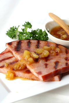 The perfect sauce to compliment baked ham is pineapple ham glaze. An easy recipe that takes just a few minutes and a few ingredients to make but adds so much flavor. Serve it on the side with your Easter or Christmas baked ham or with a grilled ham slice. Ham Slices Recipes, Ham Recipes, Sauce Recipes, Dinner Recipes, Healthy Recipes, Pineapple Glaze For Ham, Pineapple Sauce, Easy Ham Glaze, Easy Sauce Recipe
