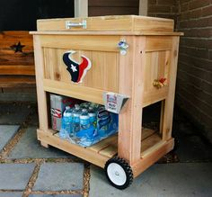 texans cooler Deck Cooler, Wood Cooler, Cooler Stand, Outdoor Cooler, Ice Chest Cooler, Cooler Box, Wood Shop Projects, Woodworking Projects Diy, Backyard Furniture