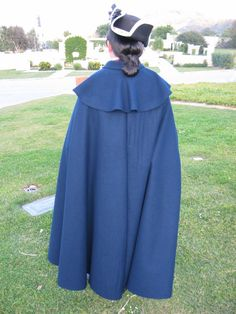 RH817 - 18th century Men's Cloak - Reconstructing History