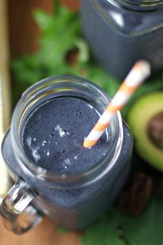 Kale Avo-berry Smoothie ~Kale, Avocado, Blueberry, Spirulina Smoothie!  Plus, healthy tips for eating on the road~
